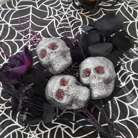 Other - Halloween floral picks w/ skulls & spiders 4 count